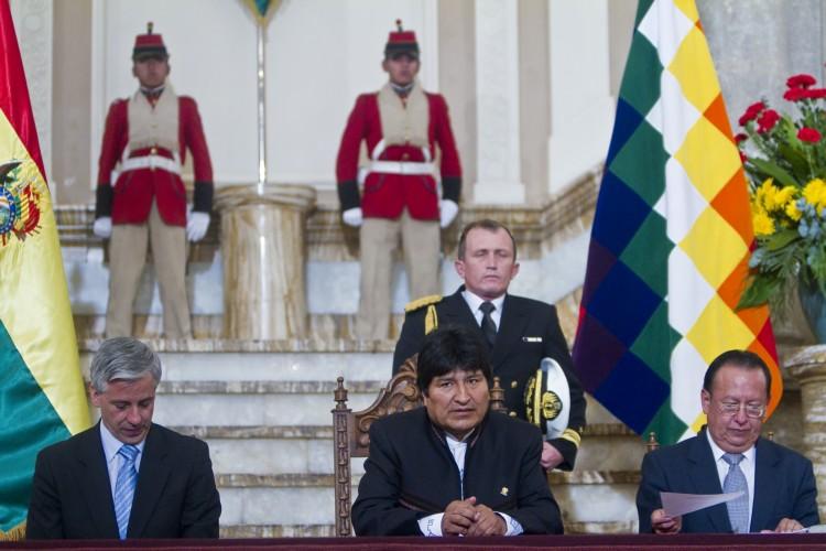Banco Central De Bolivia Entregó Moneda Conmemorativa Al